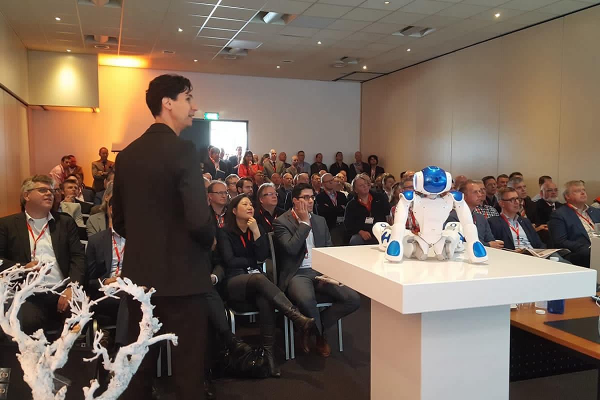 Lesen exponentiellen Technologie mit einem Roboter
