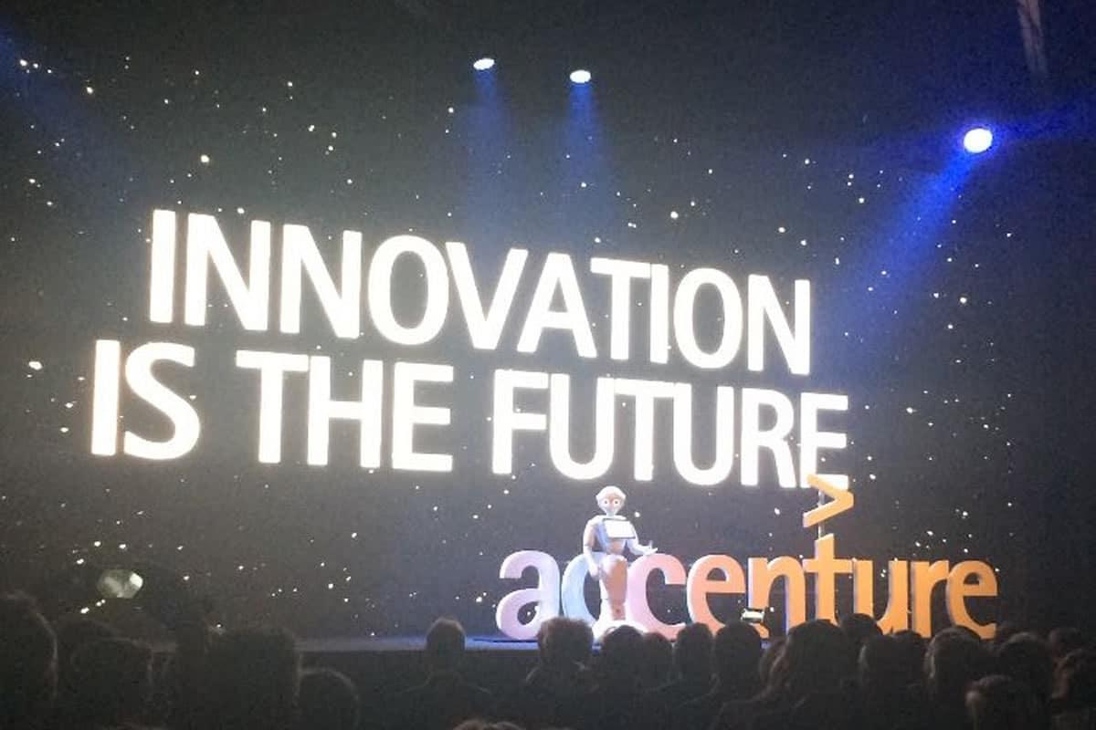 Pepper Roboter auf Innovation Ereignis Accenture