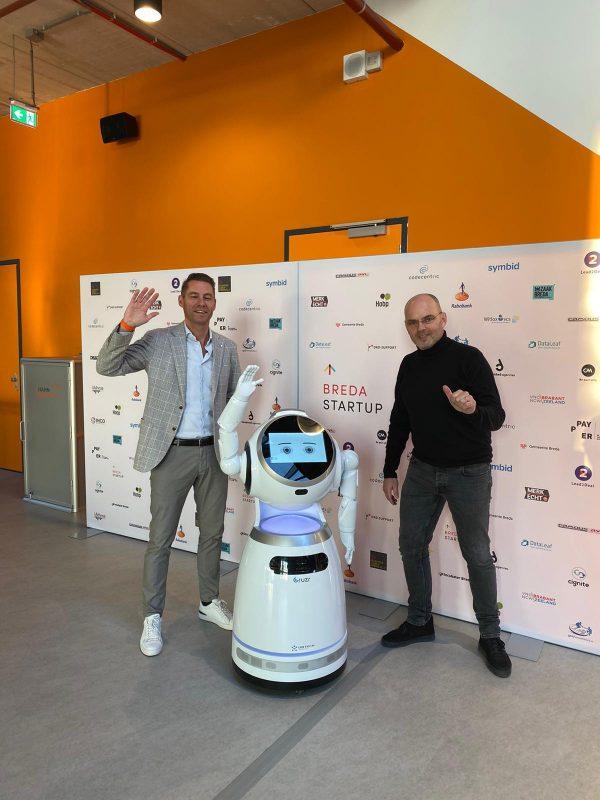 Cruzr roboter Cruzr-Roboter für eine Werbewand