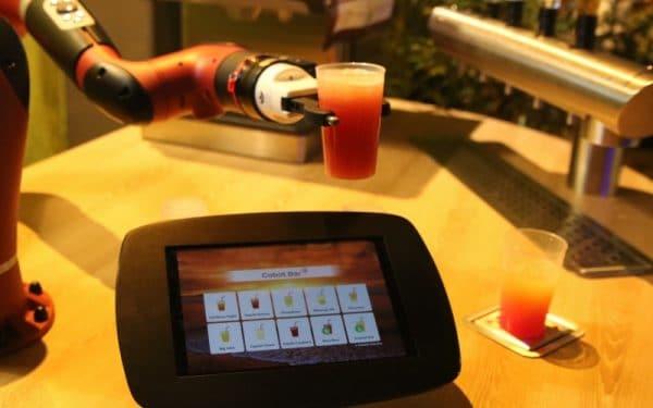 Cobot Cocktail Bar